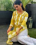 Mouni Roy dances to Taal song    Actor Mouni Roy took to Instagram to share her latest dance video in which she looks absolutely graceful. Mouni is...