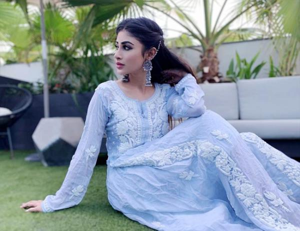 Mouni Roy dresses up in a white chikankari suit