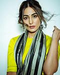 For Dhanteras 2020, Hina Khan opted for a neon yellow blouse and black saree    Hina Khan is always praised by netizens and critics for her sartorial...