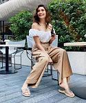Karishma Tanna looks ravishing in a white crop top and flowy pants    Actor Karishma Tanna is all smiles in her new Instagram pictures. Looking...