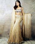 Janhvi Kapoor top lehenga look    Along with being a fabulous actor who's yet to make it big in Bollywood, Janhvi Kapoor is also a fashionista. She's...