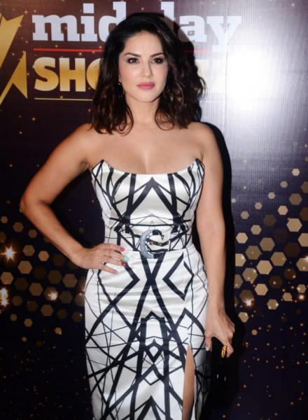 Sunny Leone holds attention with her stunning gown