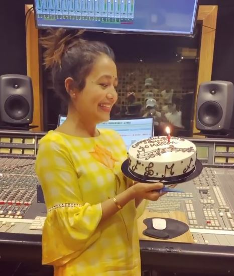 Neha Kakkar celebrates 40 million Instagram family